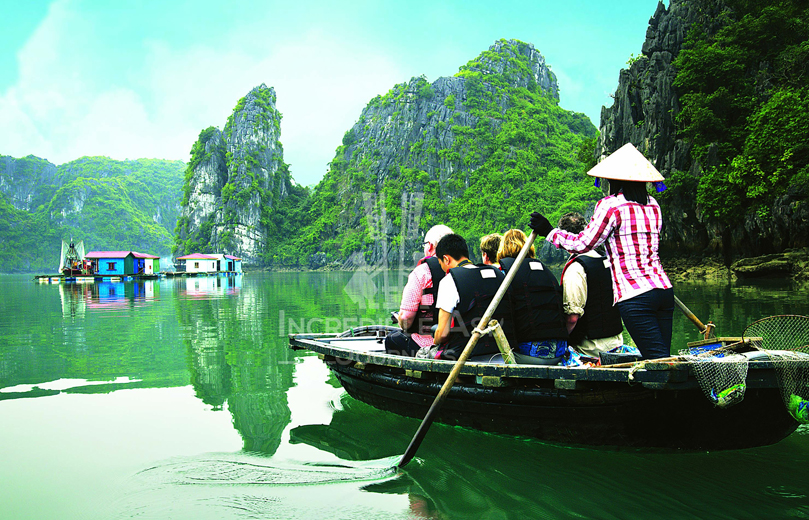 Why Halong Bay attracts tourists year-round