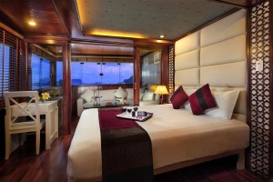 Paloma Cruise Paloma Suite Night