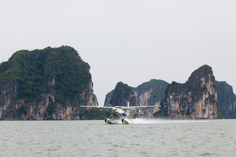 Halong bay seaplane