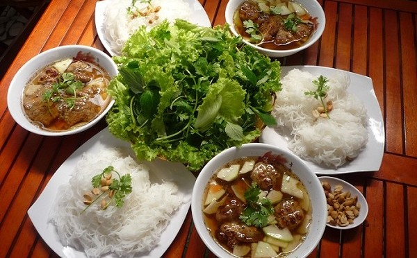 How to make Bun Cha-Ha Noi(Grilled Pork Noodle)